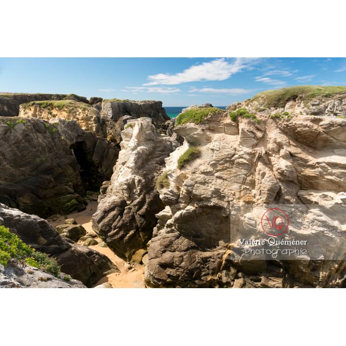 Côte sauvage sur la presqu'île de Quiberon / Morbihan / Bretagne / France - Réf : VQFR56-0515 (Q3)