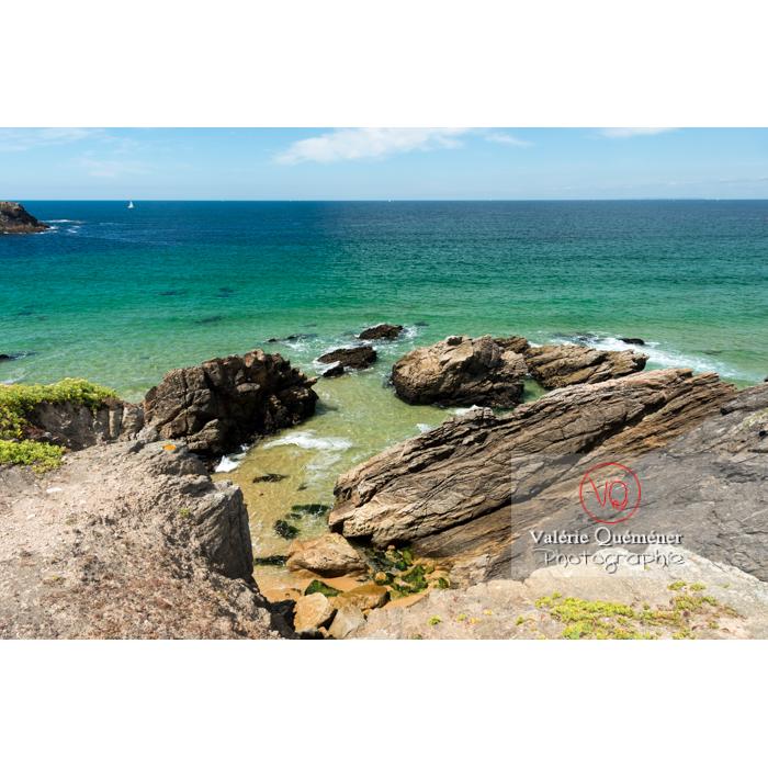 Côte sauvage sur la presqu'île de Quiberon / Morbihan / Bretagne / France - Réf : VQFR56-0524 (Q3)