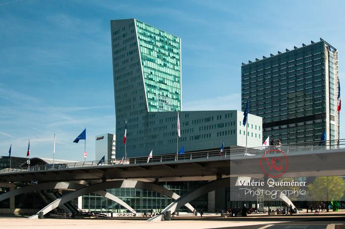 Gare & tour de Lille / Nord / Hauts-de-France - Réf : VQFR59-0001