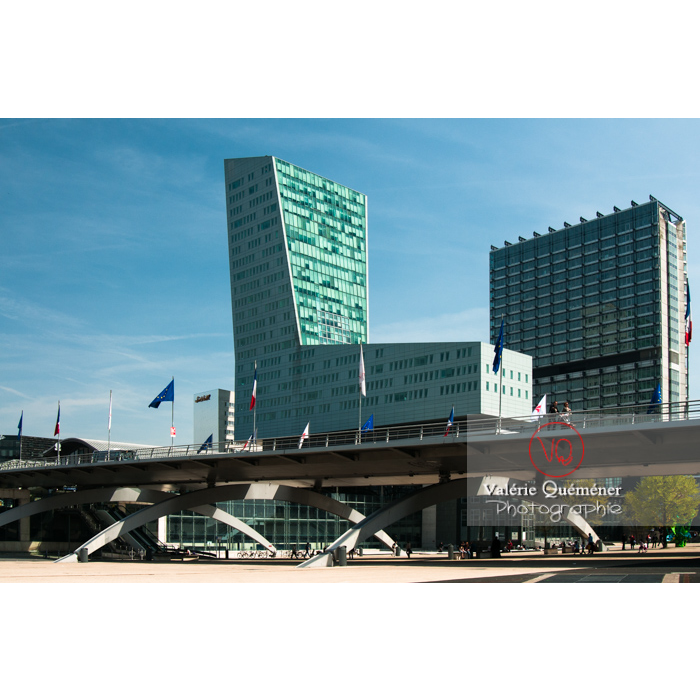 Tour de Lille et gare Lille-Europe / Nord / Hauts de France - Réf : VQFR59-0001 (Q2)