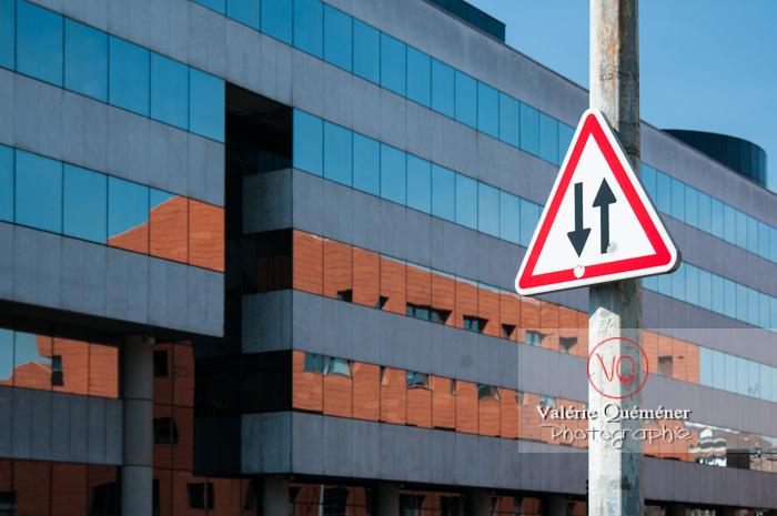 Bâtiment de bureaux en verre à Lille / Nord / Hauts-de-France - Réf : VQFR59-0003