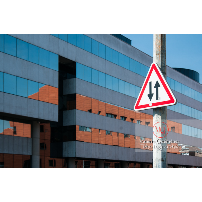 Bâtiment administratif moderne à Lille - Réf : VQFR59-0003 (Q2)
