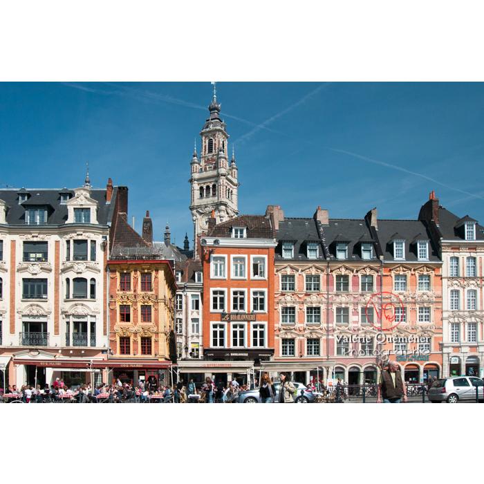 Façades d'habitations du vieux Lille sur la Grand'Place et clocher de la chambre du commerce, Lille - Réf : VQFR59-0011 (Q2)