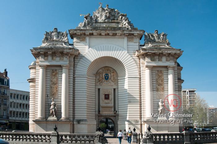 Porte de Paris à Lille / Nord / France - Réf : VQFR59-0012 (Q2)