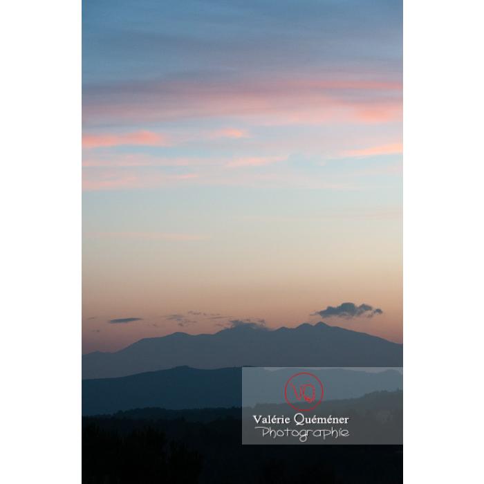 Massif du Canigou et son pic, Pyrénées-Orientales / Occitanie / France - Réf : VQFR66-0319 (Q2)