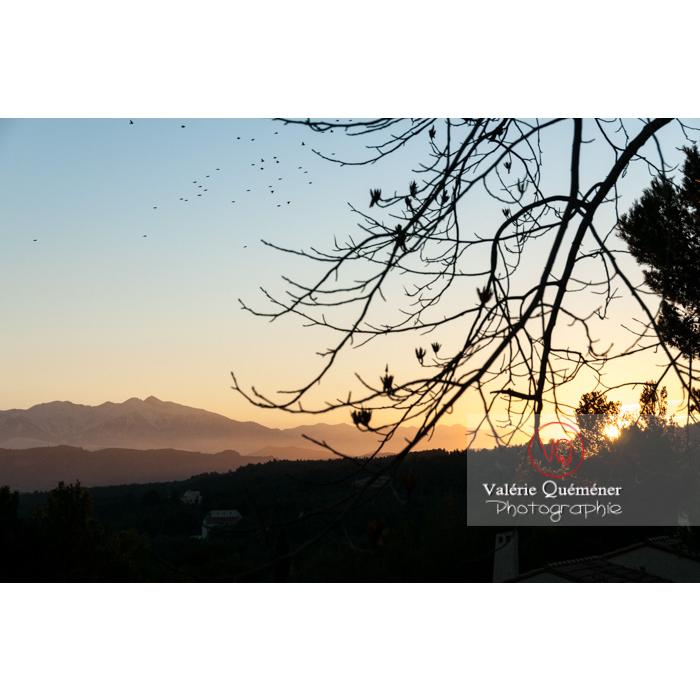 Massif du Canigou au coucher du soleil, Pyrénées-Orientales / France - Réf : VQFR66-0384 (Q2)