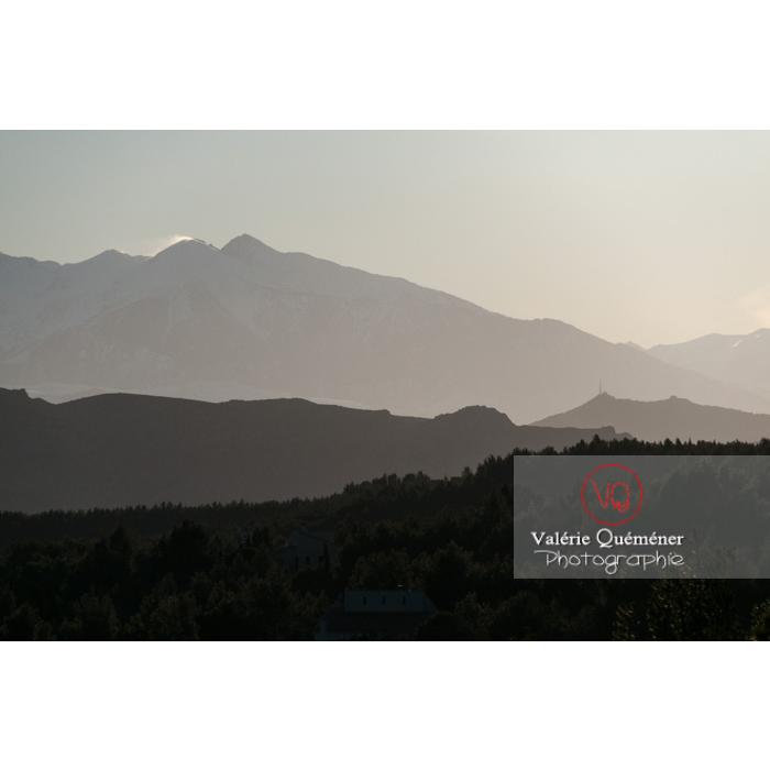 Silhouette du relief du massif du Canigou, Pyrénées-Orientales / Occitanie / France - Réf : VQFR66-0426 (Q2)