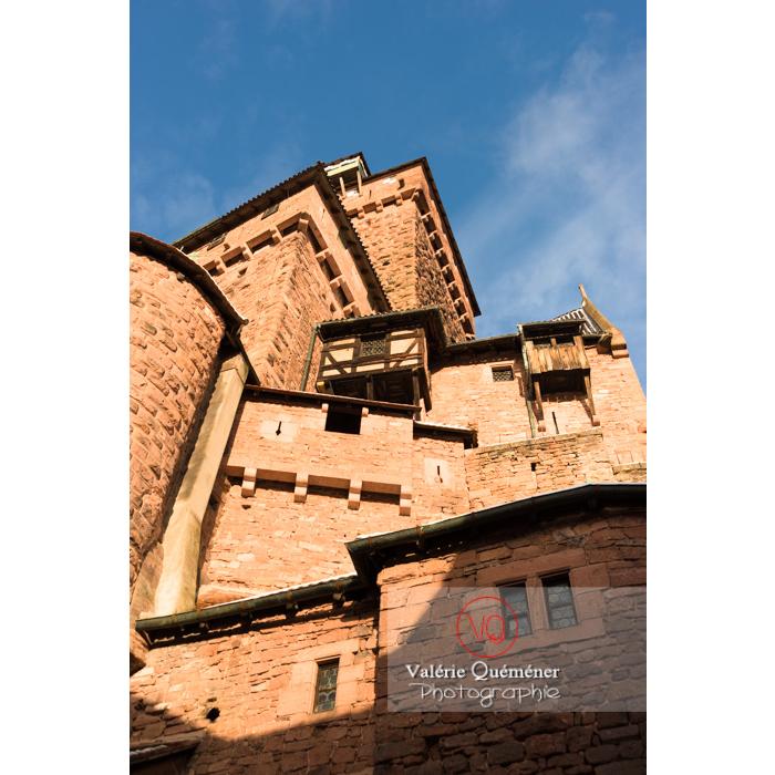 Contre-plongée du donjon du château du Haut-Koenigsbourg (MH) / Orschwiller / Bas-Rhin / Grand-Est - Réf : VQFR67-0046 (Q3)