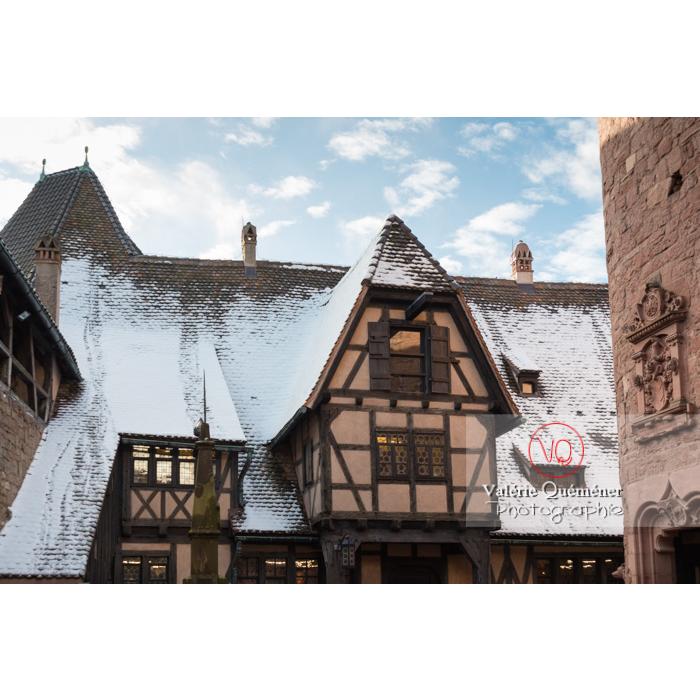 Colombage dans la cour basse du château du Haut-Koenigsbourg (MH) / Orschwiller / Bas-Rhin / Grand-Est - Réf : VQFR67-0059 (Q3)