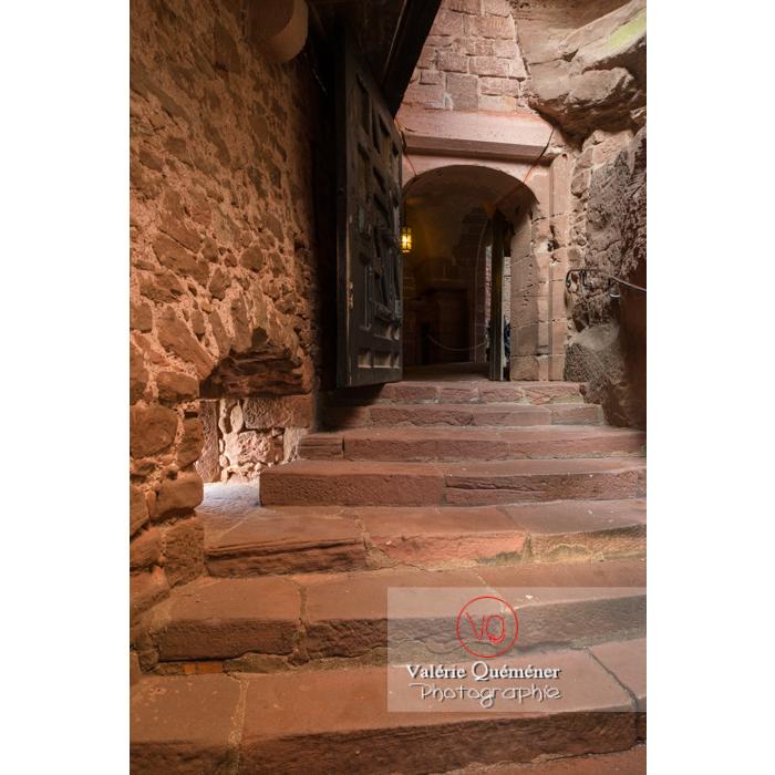 Passage fortifié vers la cour intérieure du château du Haut-Koenigsbourg (MH) / Orschwiller / Bas-Rhin / Grand-Est - Réf : VQFR67-0064 (Q3)