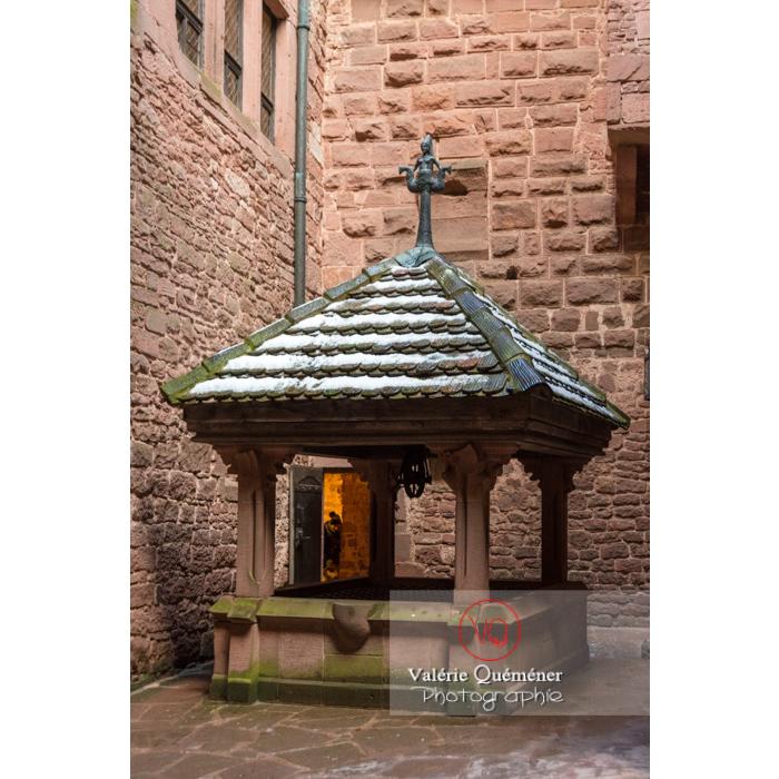 Citerne dans la cour intérieure du château du Haut-Koenigsbourg (MH) / Orschwiller / Bas-Rhin / Grand-Est - Réf : VQFR67-0067 (Q3)