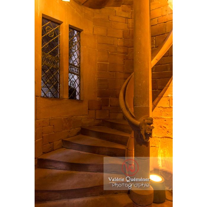 Escalier de la tour d'honneur du château du Haut-Koenigsbourg (MH) / Orschwiller / Bas-Rhin / Grand-Est - Réf : VQFR67-0085 (Q3)