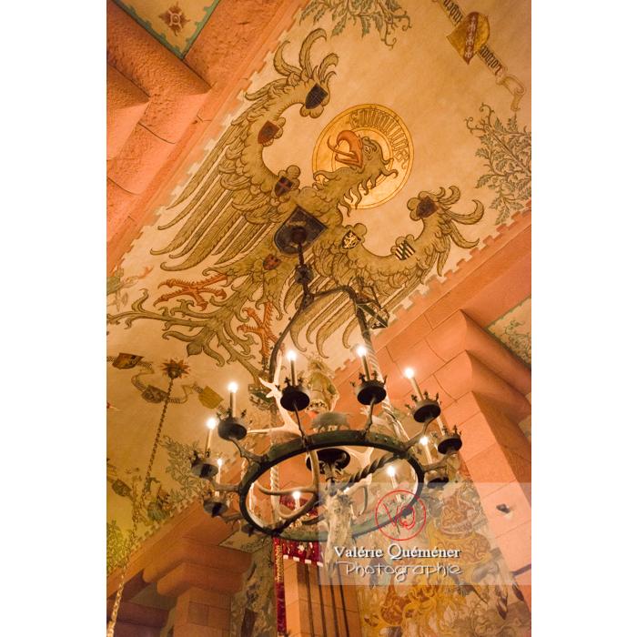 Peinture de l'aigle impérial au plafond de la salle du kaiser au château du Haut-Koenigsbourg (MH) / Orschwiller / Bas-Rhin / Grand-Est - Réf : VQFR67-0108 (Q3)