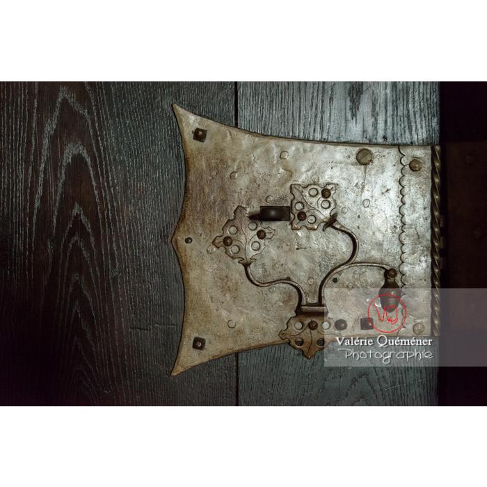 Serrure d'une porte en bois au château du Haut-Koenigsbourg (MH) / Orschwiller / Bas-Rhin / Grand-Est - Réf : VQFR67-0140 (Q3)