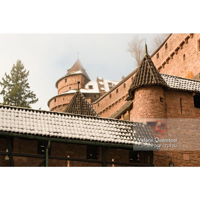 Grand bastion dans la brume au château du Haut-Koenigsbourg (MH) / Orschwiller / Bas-Rhin / Grand-Est - Réf : VQFR67-0201 (Q3)