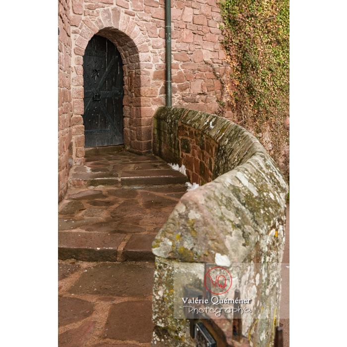 Petite porte à l'extérieure de l'enceinte du château du Haut-Koenigsbourg (MH) / Orschwiller / Bas-Rhin / Grand-Est - Réf : VQFR67-0205 (Q3)