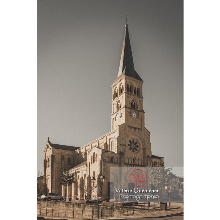 Église du Sacré-Coeur de Charolles / Saône-et-Loire / Bourgogne-Franche-Comté - Réf : VQFR71-0258-TV (Q3)