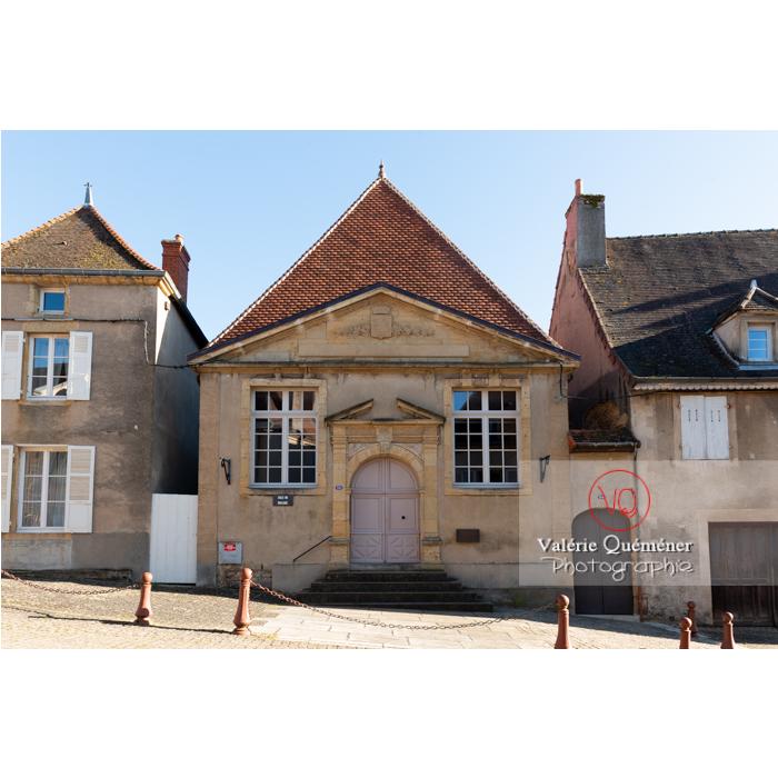 Ancien tribunal de commerce à Charolles / Saône-et-Loire / Bourgogne-Franche-Comté - Réf : VQFR71-0269 (Q3)