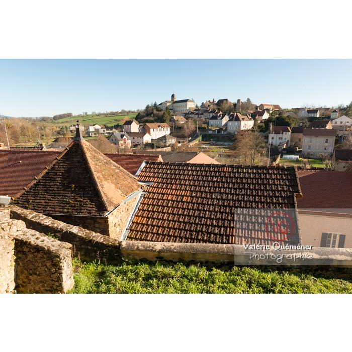 Panorama sur l'hôpital et fortification depuis le château de Charles le Téméraire à Charolles / Saône-et-Loire / Bourgogne-Franche-Comté - Réf : VQFR71-0274 (Q3)