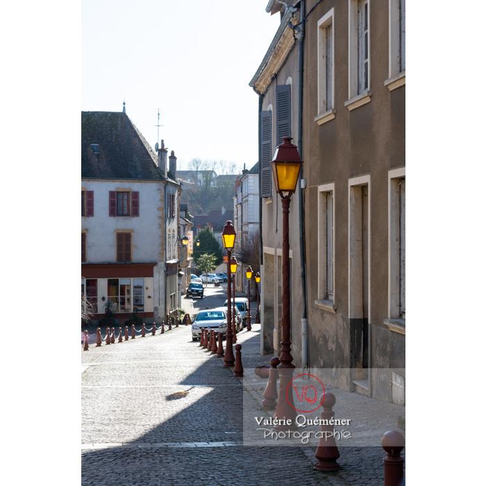 Rue du centre ville de Charolles / Bourgogne - Réf : VQFR71-0278 (Q3)