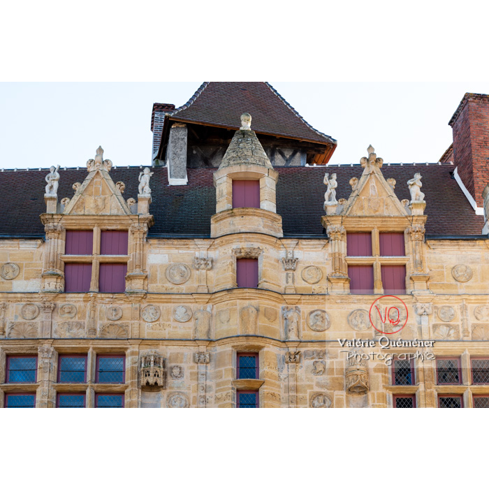 Maison Jayet à la façade de style renaissance, aujourd'hui hôtel de ville de Paray-le-Monial / Saône-et-Loire / Bourgogne-Franche-Comté - Réf : VQFR71-0333 (Q3)