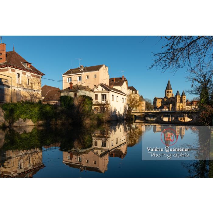 Bourbince traversant la ville de Paray-le-Monial / Saône-et-Loire / Bourgogne-Franche-Comté - Réf : VQFR71-0392 (Q3)