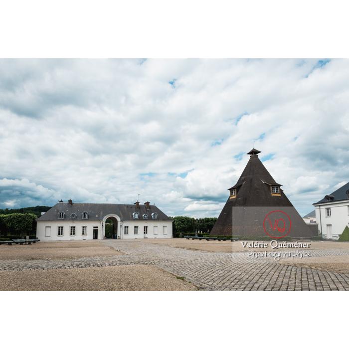 Four du château de la verrerie dans la ville Le Creusot / Saône-et-Loire / Bourgogne - Réf :  VQFR71-0926 (Q3)
