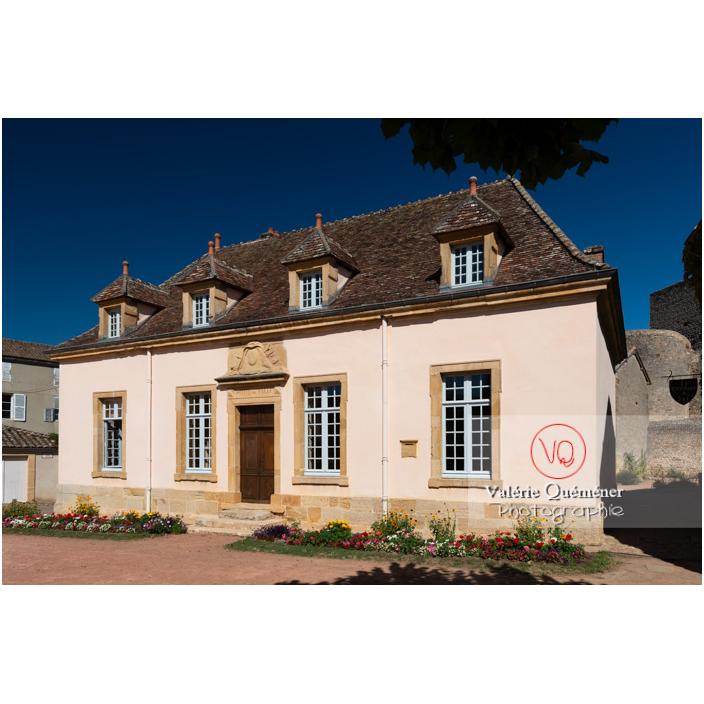 Hôtel de ville de l'ancien auditoire de justice à Semur-en-Brionnais / Saône-et-Loire / Bourgogne-Franche-Comté - Réf : VQFR71-2690 (Q3)