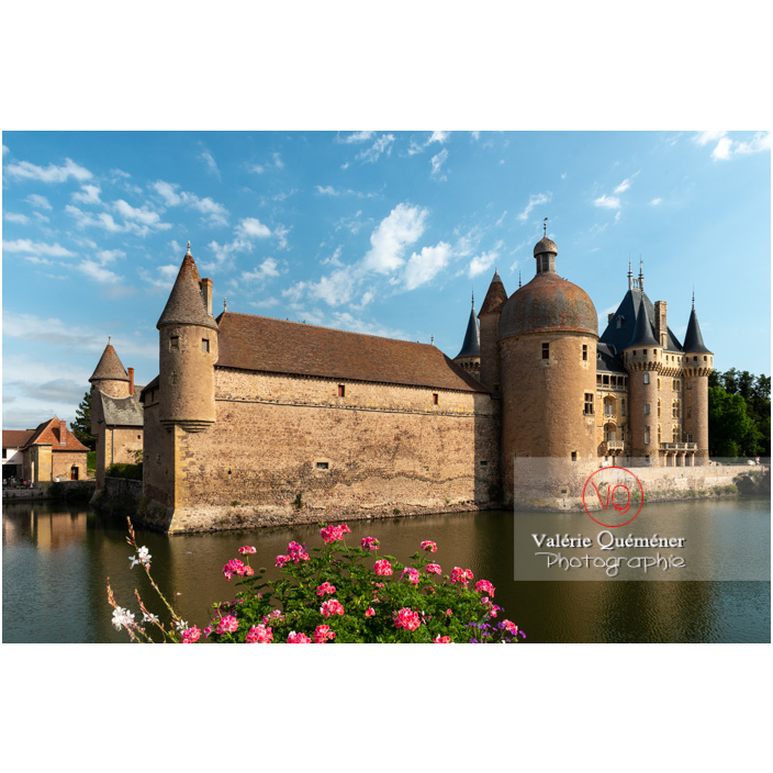 Douves au pied du château de La Clayette (MH) / La Clayette / Saône-et-Loire / Bourgogne-Franche-Comté - Réf : VQFR71-2707 (Q3)