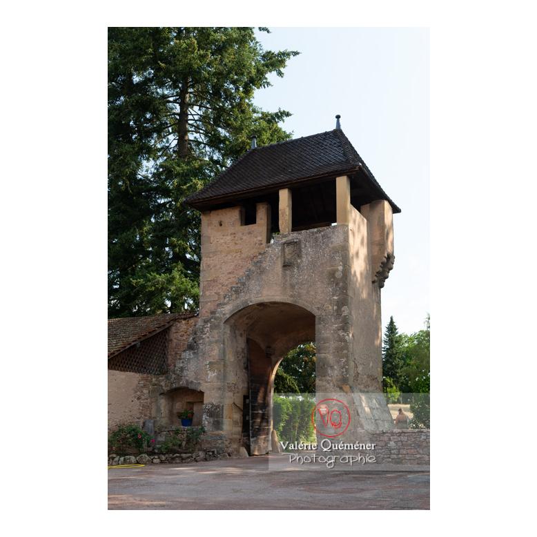 Tour d'entrée pour la basse-cour au château de La Clayette (MH) / La Clayette / Saône-et-Loire / Bourgogne-Franche-Comté - Réf : VQFR71-2714 (Q3)