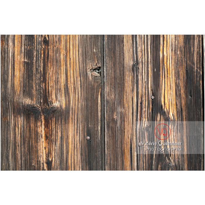 Détail d'une porte en bois du château de La Clayette (MH) / La Clayette / Saône-et-Loire / Bourgogne-Franche-Comté - Réf : VQFR71-2715 (Q3)