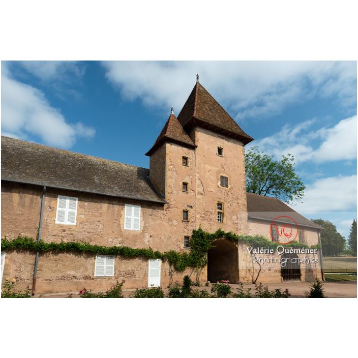 Tour carrée des dépendances du château de La Clayette (MH) / La Clayette / Saône-et-Loire / Bourgogne-Franche-Comté - Réf : VQFR71-2734 (Q3)