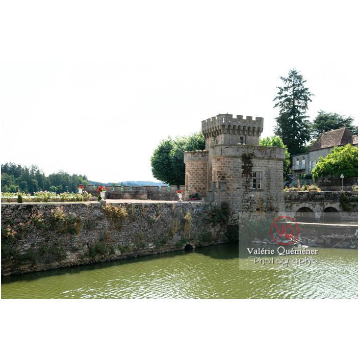 Douve et porte fortifiée du château de La Clayette (MH) / La Clayette / Saône-et-Loire / Bourgogne-Franche-Comté - Réf : VQFR71-2749 (Q3)