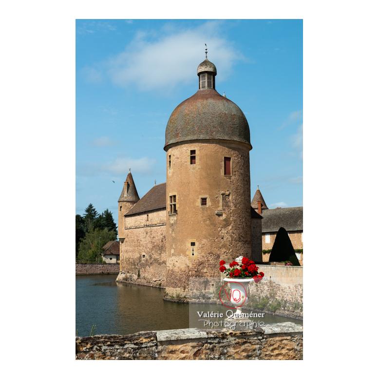 Tour ronde du château de La Clayette (MH) sur la commune de La Clayette / Saône-et-Loire / Bourgogne-Franche-Comté - Réf :VQFR71-2753 (Q3)