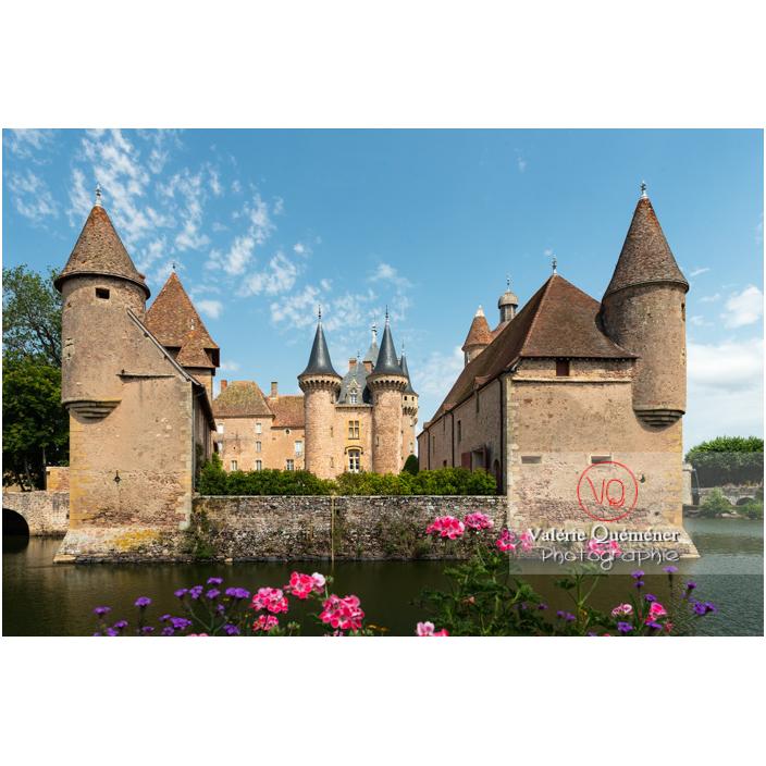 Douves devant le château de La Clayette (MH) / La Clayette / Saône-et-Loire / Bourgogne-Franche-Comté - Réf : VQFR71-2800 (Q3)