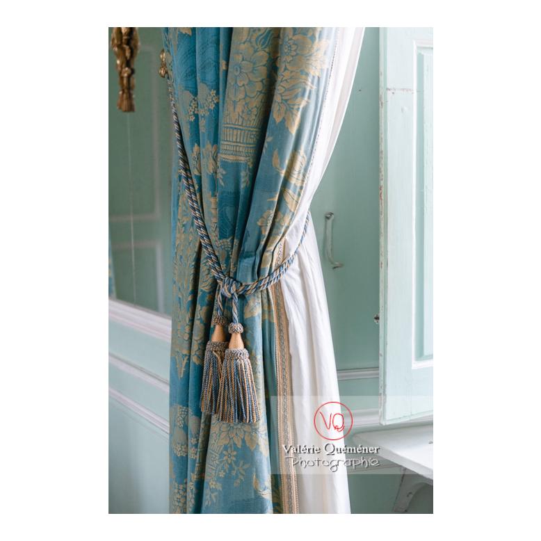 Détail de rideau au château de Drée (MH) à Curbigny / Saône-et-Loire / Bourgogne-Franche-Comté - Réf : VQFR71-2818 (Q3)