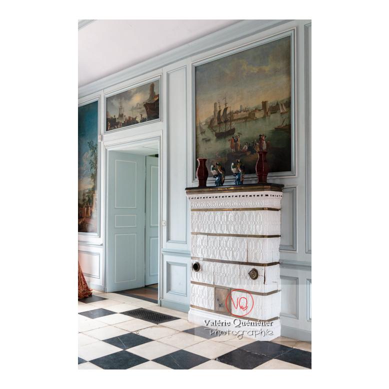 Poêle en carreaux de céramique au château de Drée (MH) à Curbigny / Saône-et-Loire / Bourgogne-Franche-Comté - Réf : VQFR71-2824 (Q3)