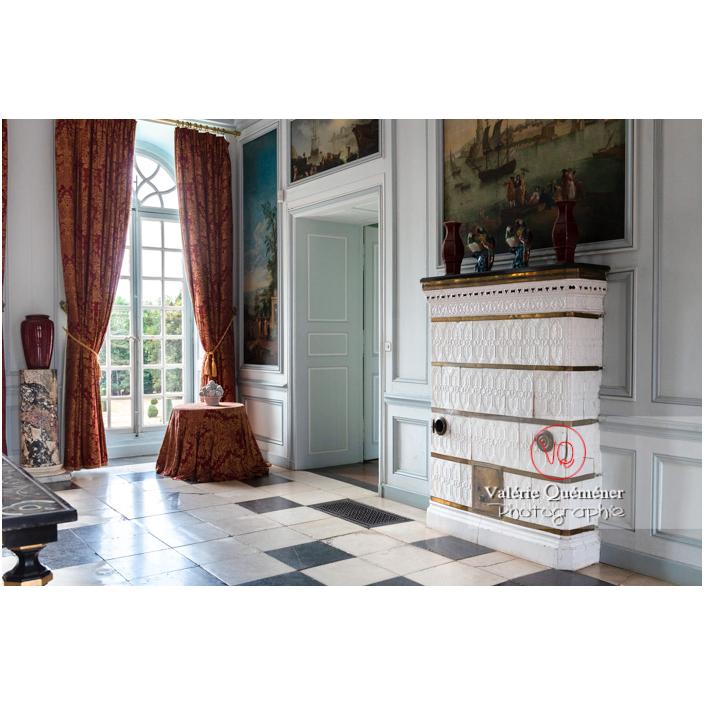 Poêle en carreaux de céramique au château de Drée (MH) à Curbigny / Saône-et-Loire / Bourgogne-Franche-Comté - Réf : VQFR71-2825 (Q3)
