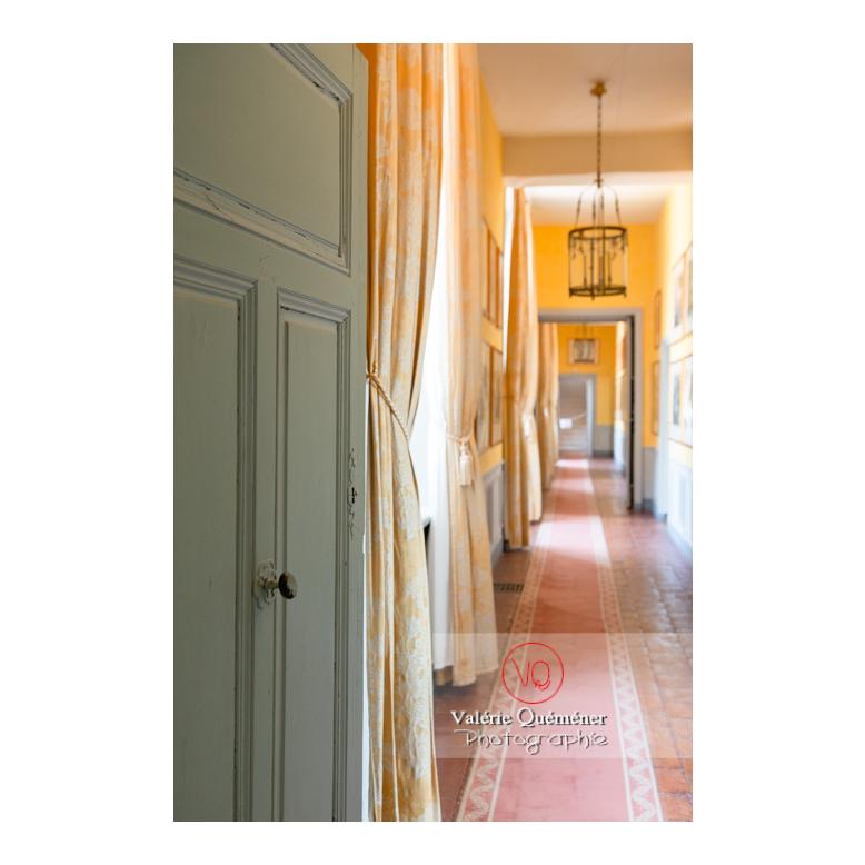 Détail d'une porte à l'étage du château de Drée (MH) à Curbigny / Saône-et-Loire / Bourgogne-Franche-Comté - Réf : VQFR71-2836 (Q3)