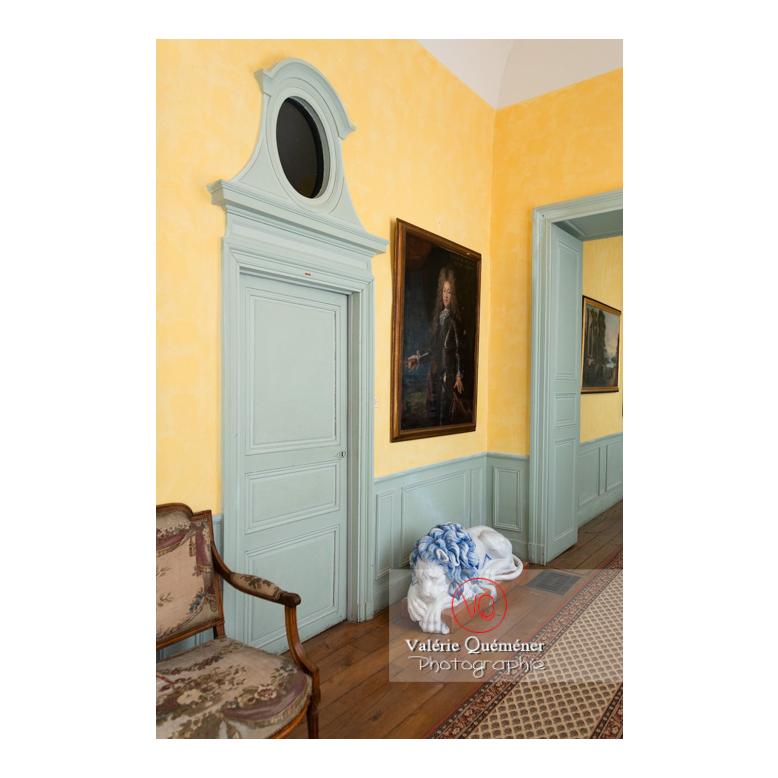 Boiserie de porte à l'étage du château de Drée (MH) à Curbigny / Saône-et-Loire / Bourgogne-Franche-Comté - Réf : VQFR71-2841 (Q3)