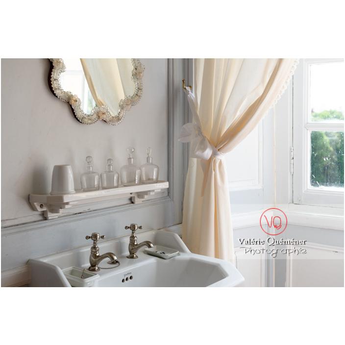 Salle de bain au château de Drée (MH) à Curbigny / Saône-et-Loire / Bourgogne-Franche-Comté - Réf : VQFR71-2843 (Q3)