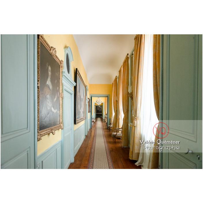 Couloir à l'étage du château de Drée (MH) à Curbigny / Saône-et-Loire / Bourgogne-Franche-Comté - Réf : VQFR71-2845 (Q3)