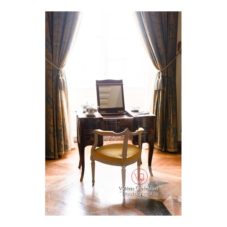 Secrétaire d'une chambre au château de Drée (MH) à Curbigny / Saône-et-Loire / Bourgogne-Franche-Comté - Réf : VQFR71-2850 (Q3)