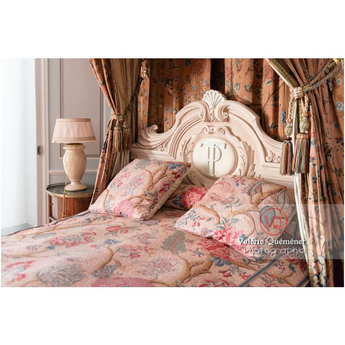 Détail d'une tête de lit au château de Drée (MH) à Curbigny / Saône-et-Loire / Bourgogne-Franche-Comté - Réf : VQFR71-2854 (Q3)