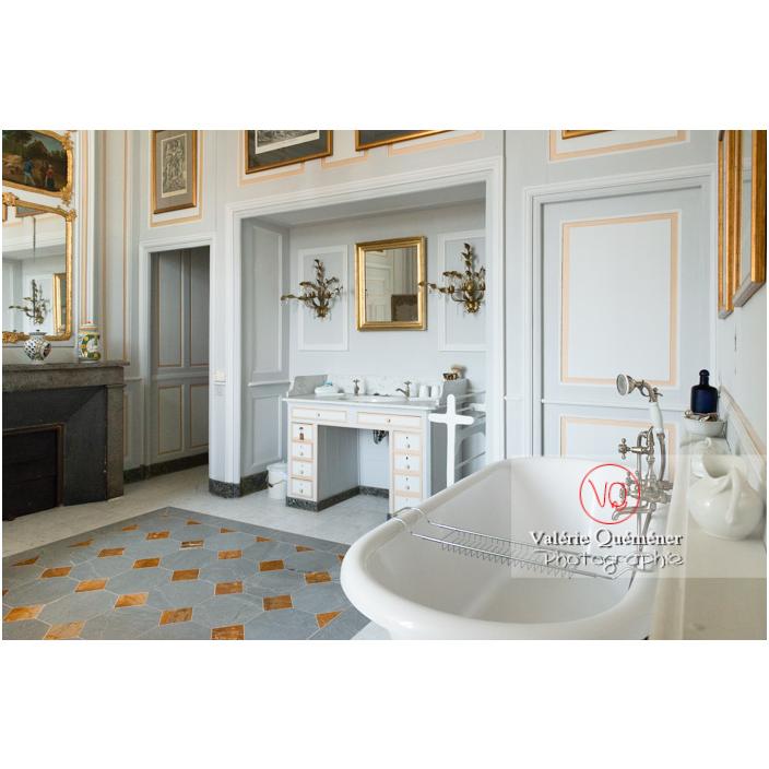 Salle de bain au château de Drée (MH) à Curbigny / Saône-et-Loire / Bourgogne-Franche-Comté - Réf : VQFR71-2855 (Q3)