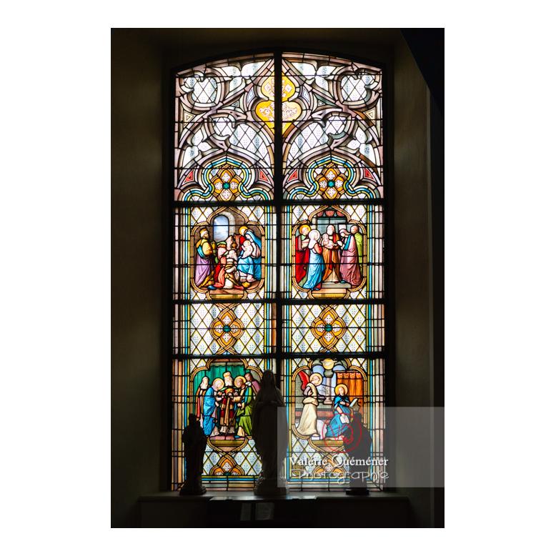 Vitrail de la chapelle du château de Drée (MH) à Curbigny / Saône-et-Loire / Bourgogne-Franche-Comté - Réf : VQFR71-2861 (Q3)