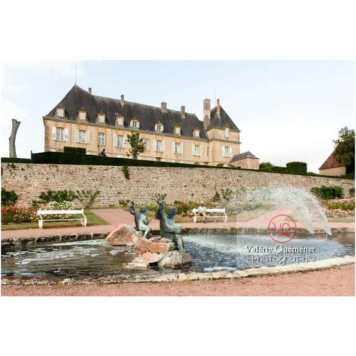 Bassin dans le jardin remarquable du château de Drée (MH) à Curbigny / Saône-et-Loire / Bourgogne-Franche-Comté - Réf : VQFR71-2873 (Q3)
