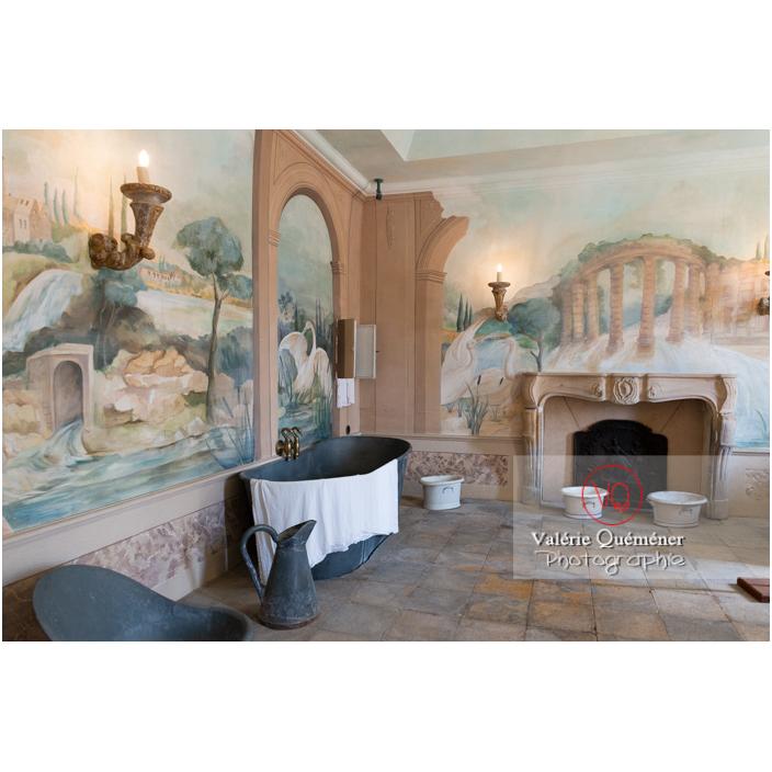 Bains au château de Drée (MH) à Curbigny / Saône-et-Loire / Bourgogne-Franche-Comté - Réf : VQFR71-2886 (Q3)