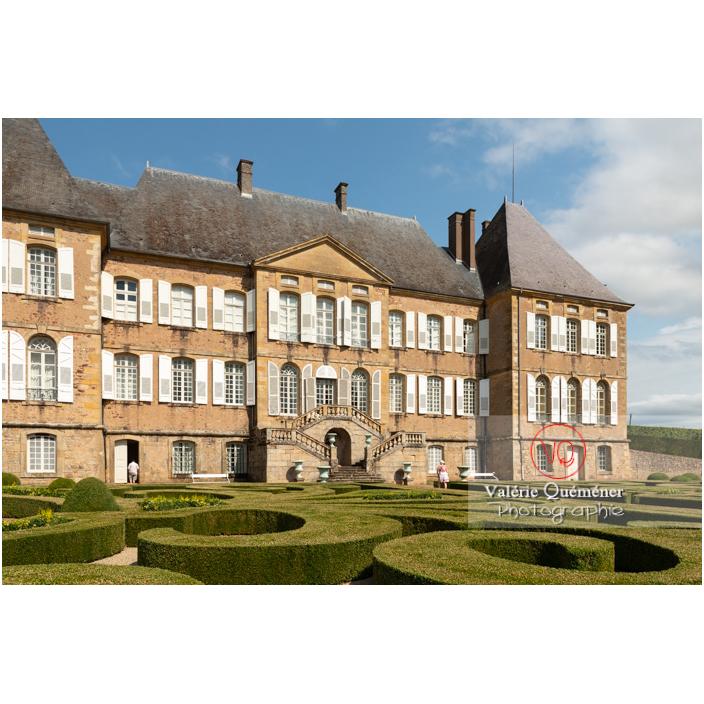 Jardin remarquable à la française au château de Drée (MH) à Curbigny / Saône-et-Loire / Bourgogne-Franche-Comté - Réf : VQFR71-2890 (Q3)