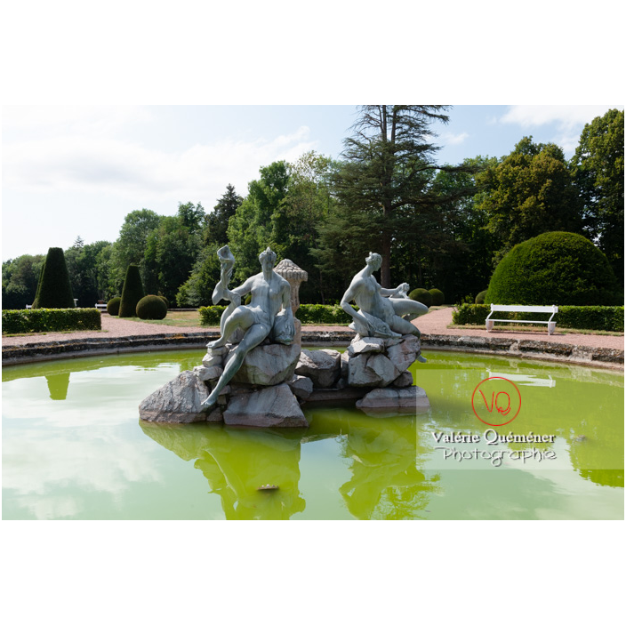 Fontaine des naïades au jardin remarquable du château de Drée (MH) à Curbigny / Saône-et-Loire / Bourgogne-Franche-Comté - Réf : VQFR71-2892 (Q3)